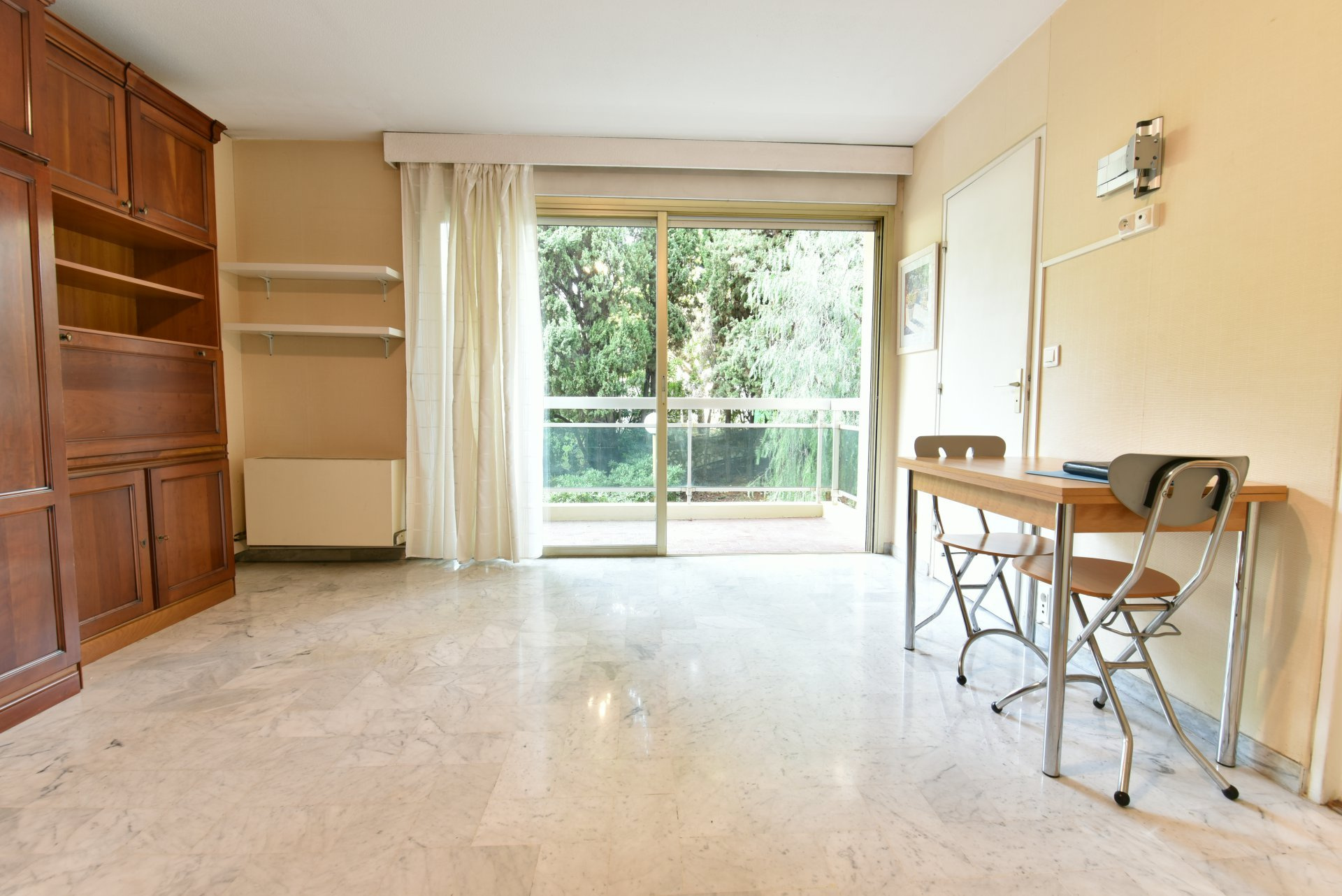 property_areas:22 : property_flooring:2